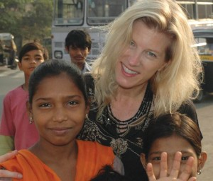 Amy Roth meets with children in a Mumbai slum earlier this year