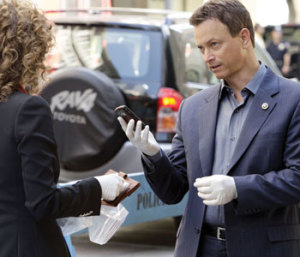 "Sinise received critical acclaim for his role as Detective Mac Taylor in ""CSI:NY"""