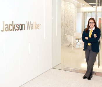 A Cristo Rey Dallas Prep student is ready for her once-a-week job at Jackson Walker LLP